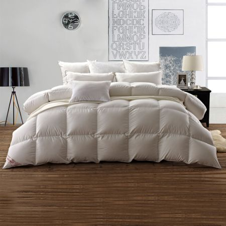 snowman white goose down comforter queen size 100 cotton shell down proofsolid white