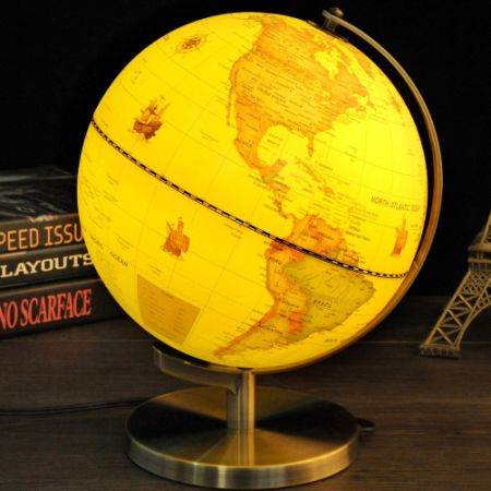 Qwork 9 Inch Classic Antique Illuminated World Globe With Compass, 2 In