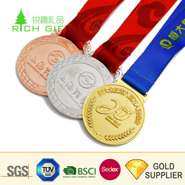 Wholesale Custom 3D Zinc Alloy Casting Soft Enamel Marathon Running Sports  Metal Medal Military Honor Award Souvenir Olympic Blank Gold Medal for